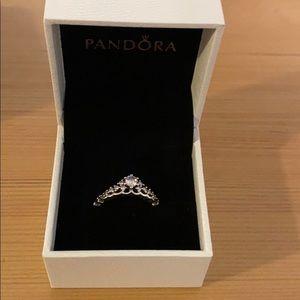 Pandora fairytale tiara ring